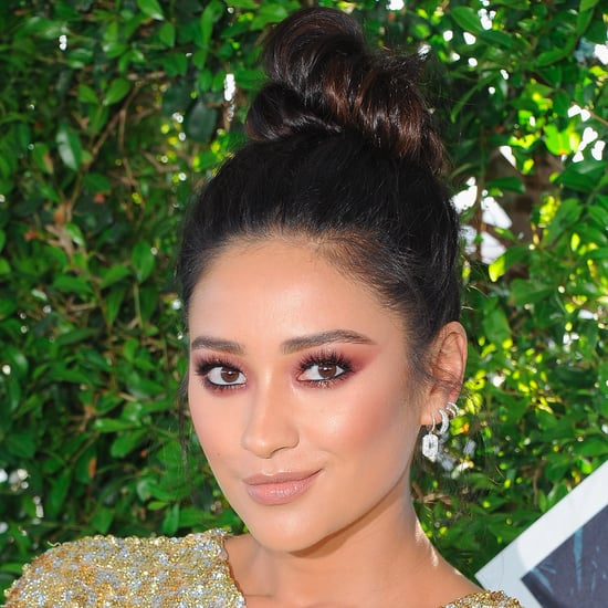 Shay Mitchell's Hair and Makeup at 2016 Teen Choice Awards