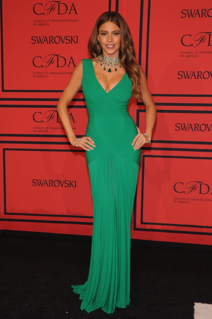 Sophia Vergara brought the bombshell in this emerald gown, which she wore with a coordinated jewelled collar and drop earrings.