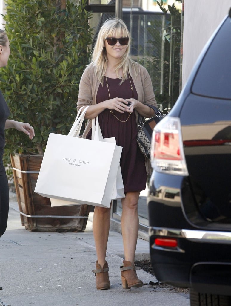 Reese Witherspoon stopped in Beverly Hills to do some shopping.