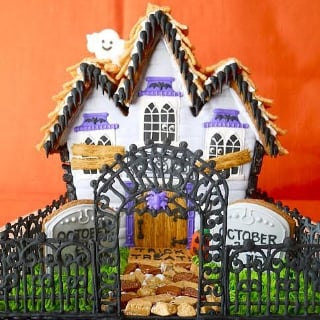 Haunted Gingerbread Houses | Halloween