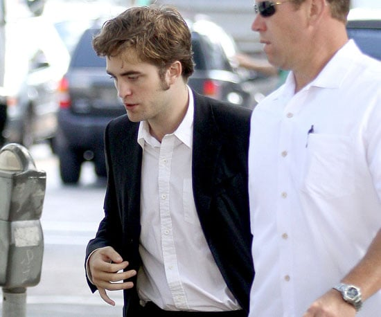 Photo Slide of Robert Pattinson Filming Remember Me in NYC in a Suit