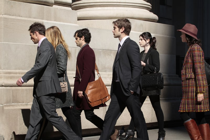 The whole gang heads to the Met for the big day.