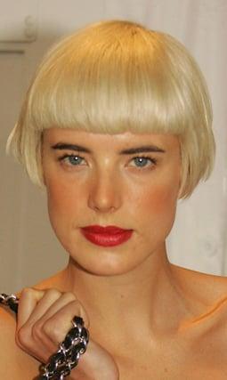 Photos of Agyness Deyn New Latest Hair Cut Hairstyle Bob Short Chic Unveiled at New York Fashion Week Michael Kors Show Trend