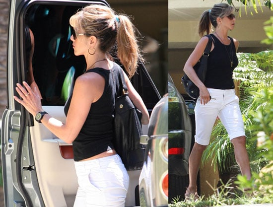 Photos of Jennifer Aniston And Her Dogs