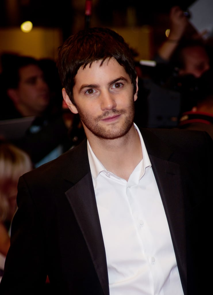 Jim Sturgess skipped a tie at the premiere.