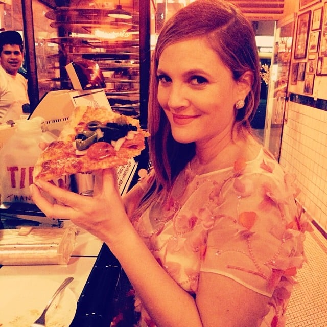 Drew enjoyed some post-show pizza after the Golden Globes. The best part? Her hashtags: #waitedallnight, #canteatfastenough. Source: Instagram user drewbarrymore