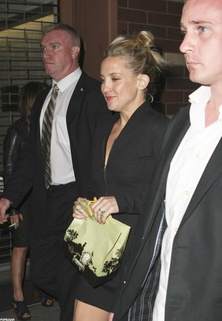 Kate Hudson carried a bag out of an SNL party in NYC.