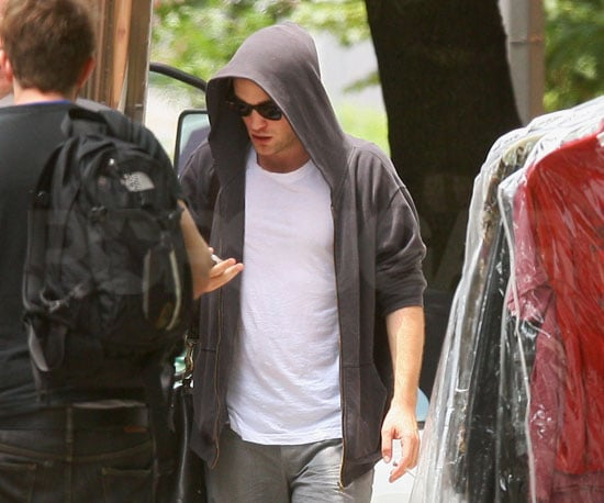 Photo Slide of Robert Pattinson Keeping a Low Profile in NYC