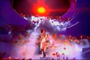 Watch MTV EMA 2010 Performances From Katy Perry, Rihanna, Hayley Wiliams, B.O.B, Shakira, Dizzee Rascal. Favourite?