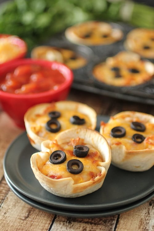 Mini Mexican Pizza | 13 Healthy Pizza Recipes You Will Want to Make ...