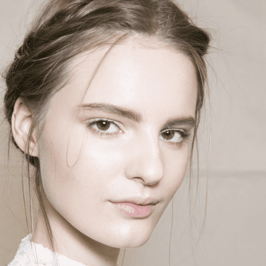 Viktor & Rolf Hair and Makeup | Fashion Week Fall 2013