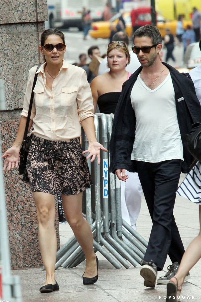 Katie Holmes walked around NYC with Jeremy Strong.
