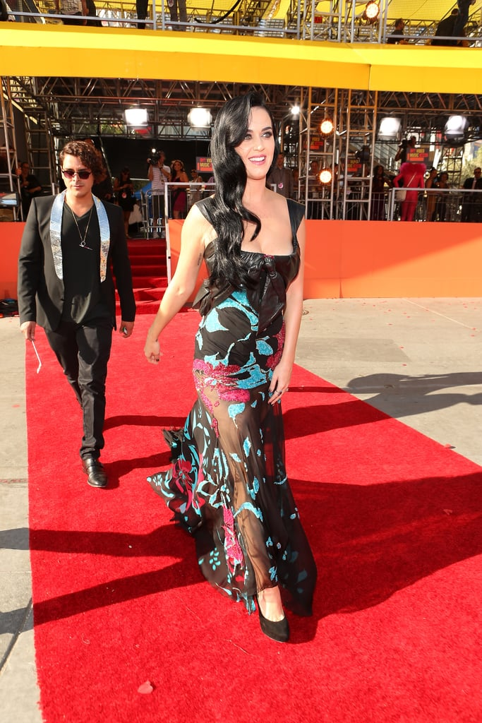 Katy Perry hit the 2012 MTV VMAs red carpet.