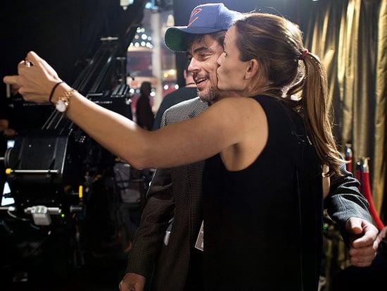 Jennifer Garner Plants a Smooch on Benicio Del Toro During Oscars Rehearsal
