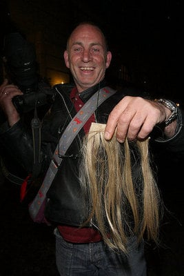 Paparazzo Auctions off Kate Moss's Hair Extensions on eBay