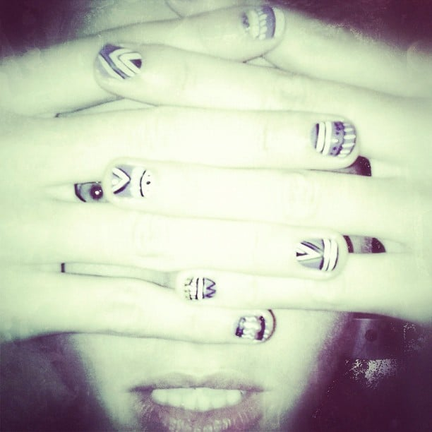 Jessica Hart got amongst the nail art trend with some black and white astract nails. \ Source: Instagram user 1jessicahart