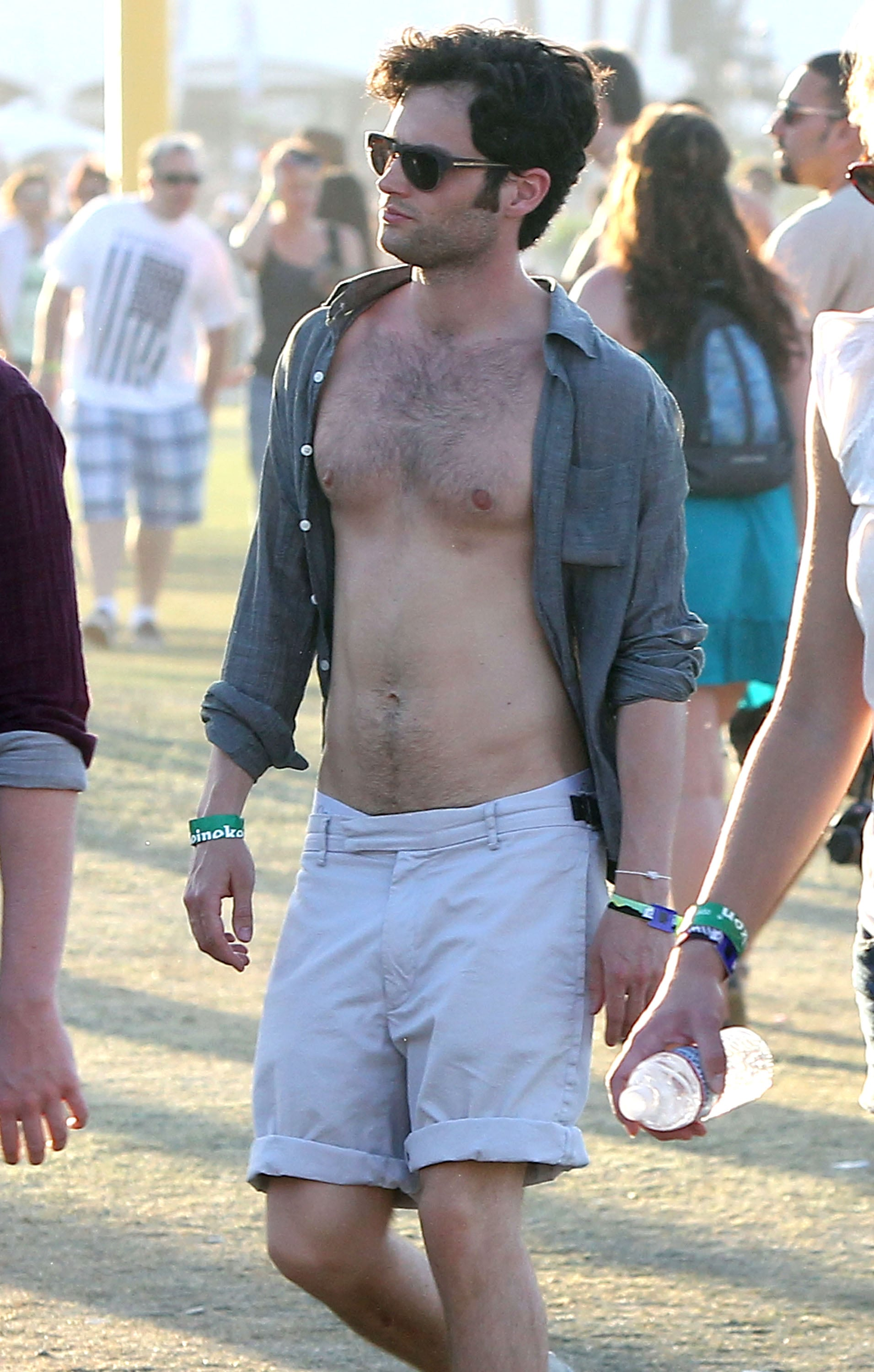 Penn Badgley went shirtless in the 2011 crowd.