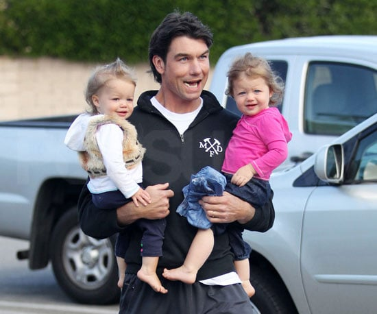 Slide Picture of Jerry O'Connell with Dolly and Charlie