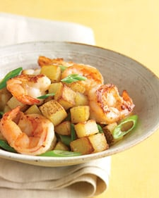 Fast & Easy Recipe for Shrimp With Scallions and Crispy Potatoes