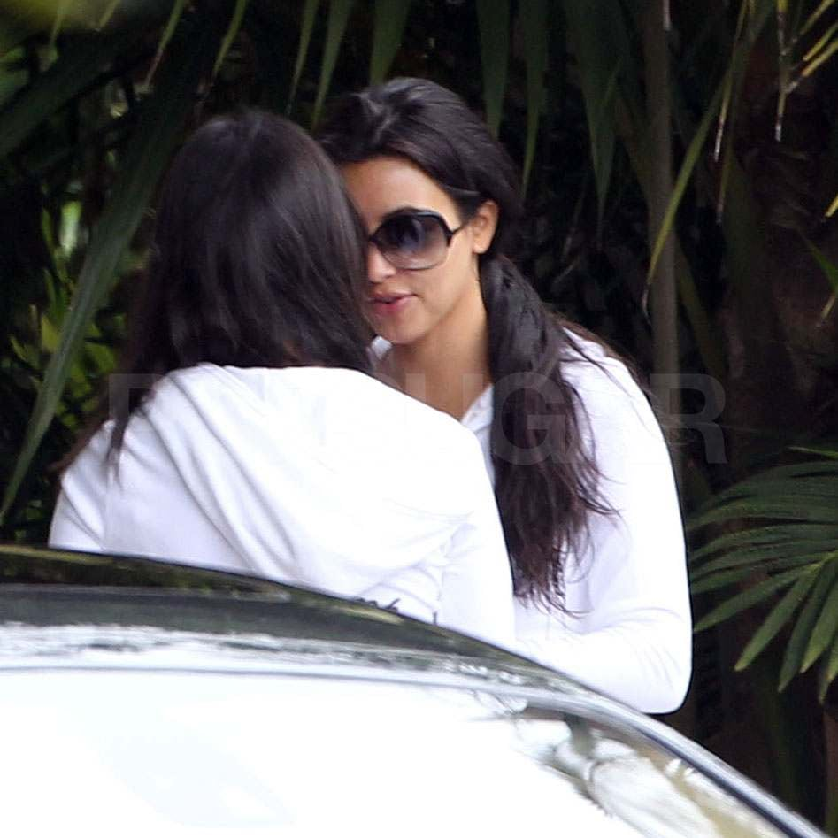 Kim Kardashian Leaves Her Hotel to Prep For Her Big Day!