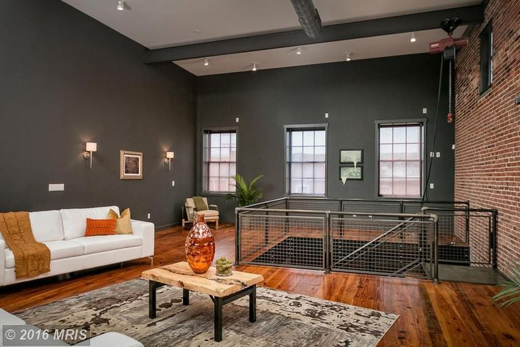 michael phelps sells baltimore townhouse popsugar home. Black Bedroom Furniture Sets. Home Design Ideas