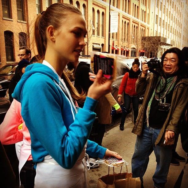Karlie Kloss gave out free Karlie's Kookies outside of Milk Studios.