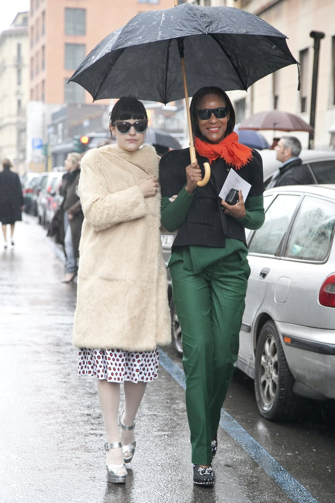 This duo made an entrance in head-to-toe emerald green and a perfect pop of red, and a vintage-feeling mix, respectively.