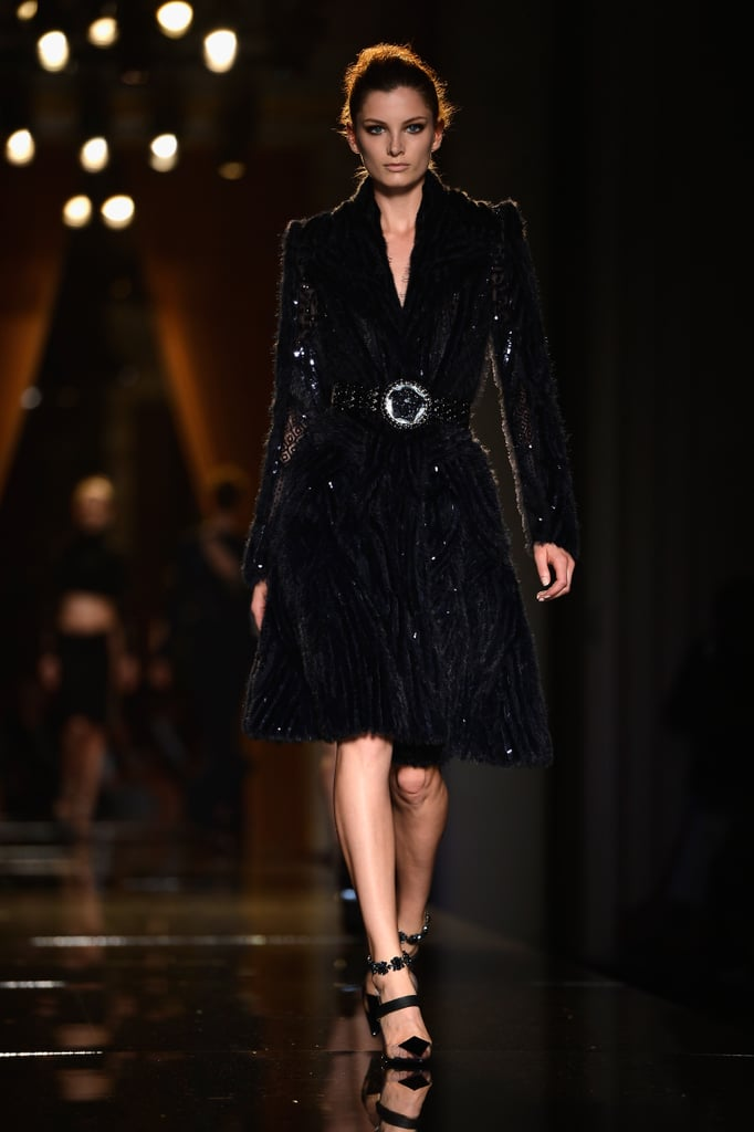 Atelier versace 2013 fall paris haute couture naomi for What s a couture pop