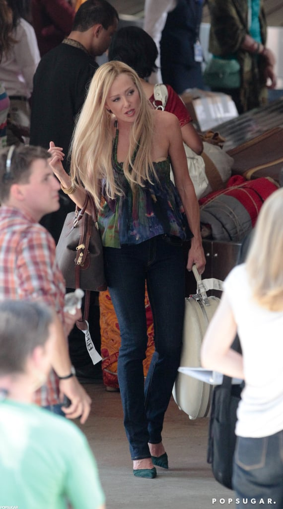Portia de Rossi carried luggage for one scene.
