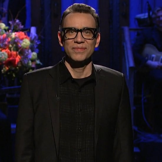 Fred Armisen Pays Tribute to David Bowie on SNL | Video