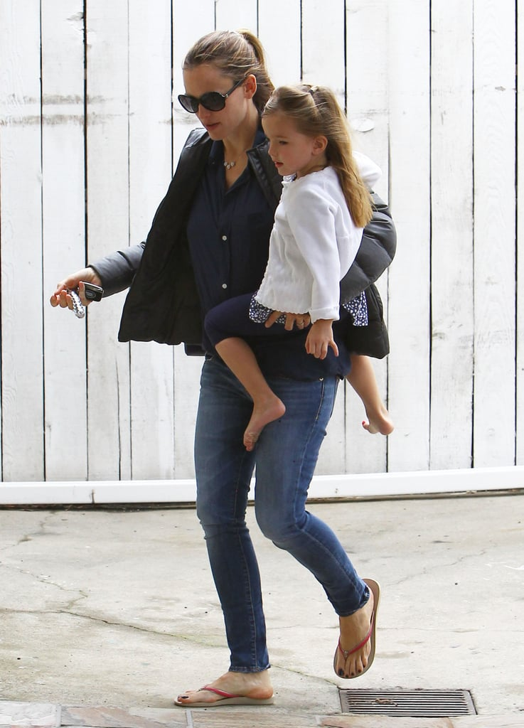 Jennifer Garner Wraps Up the Week With Seraphina by Her Side