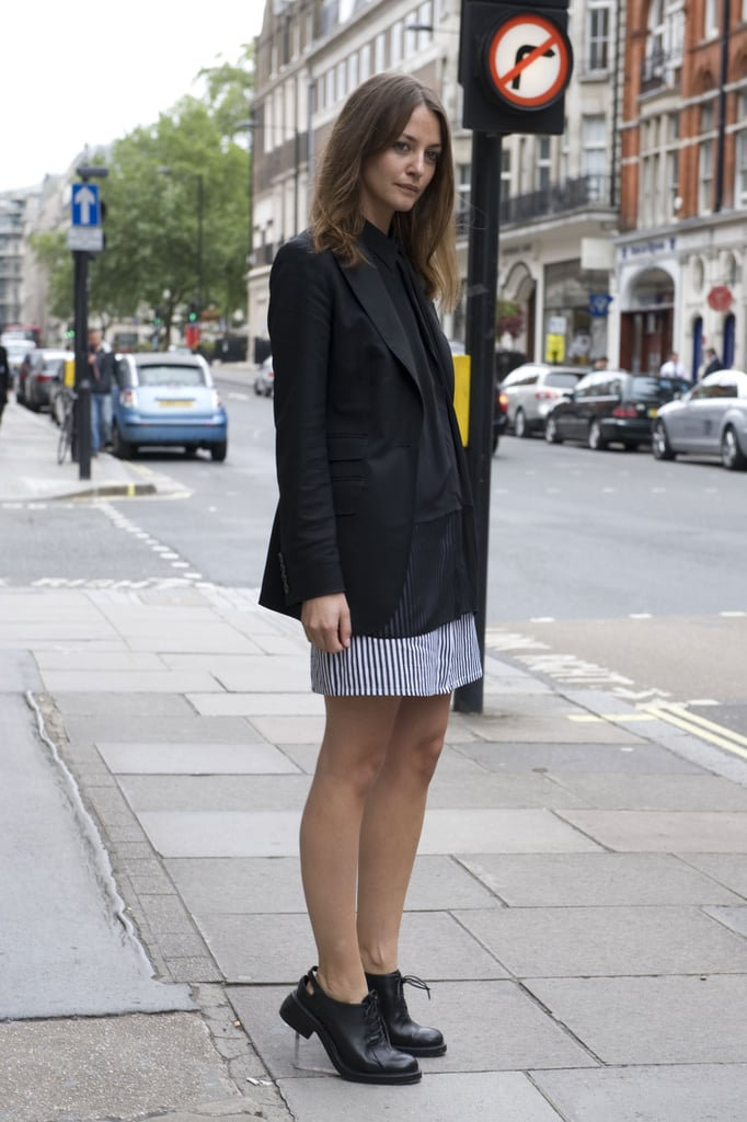 It's all about the cutout oxford flats here.