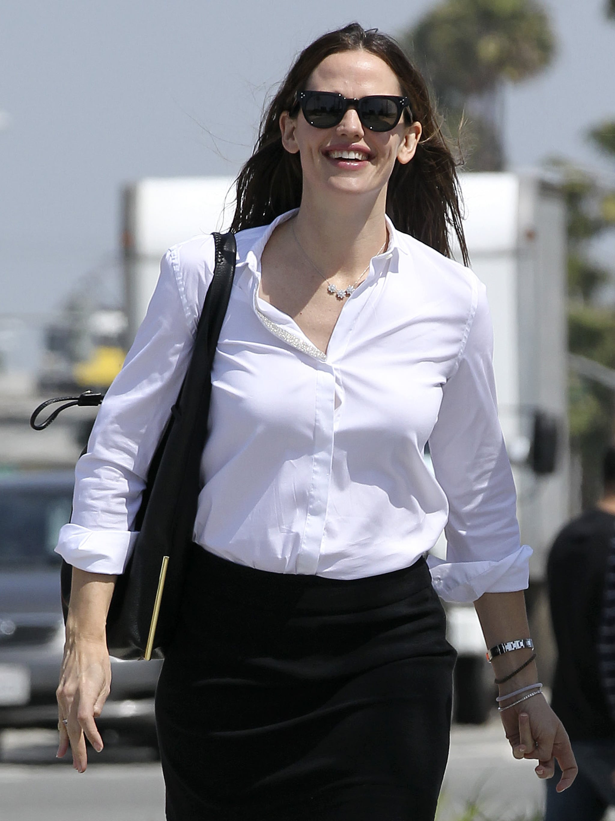 Jennifer Garner smiled on her way to a meeting in LA.