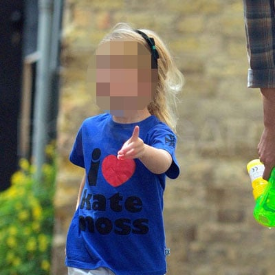"""Lila Hack Out in London in an """"I Love Kate Moss"""" Shirt"""
