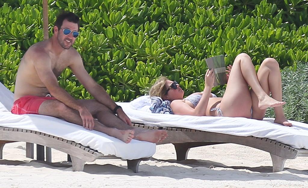 Bikini-Clad Kate Upton Shows Off Her Curves in Cancun