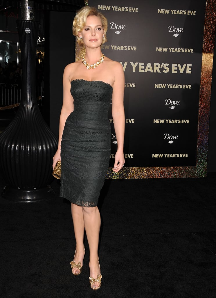 Katherine Heigl took a solo turn on the red carpet.