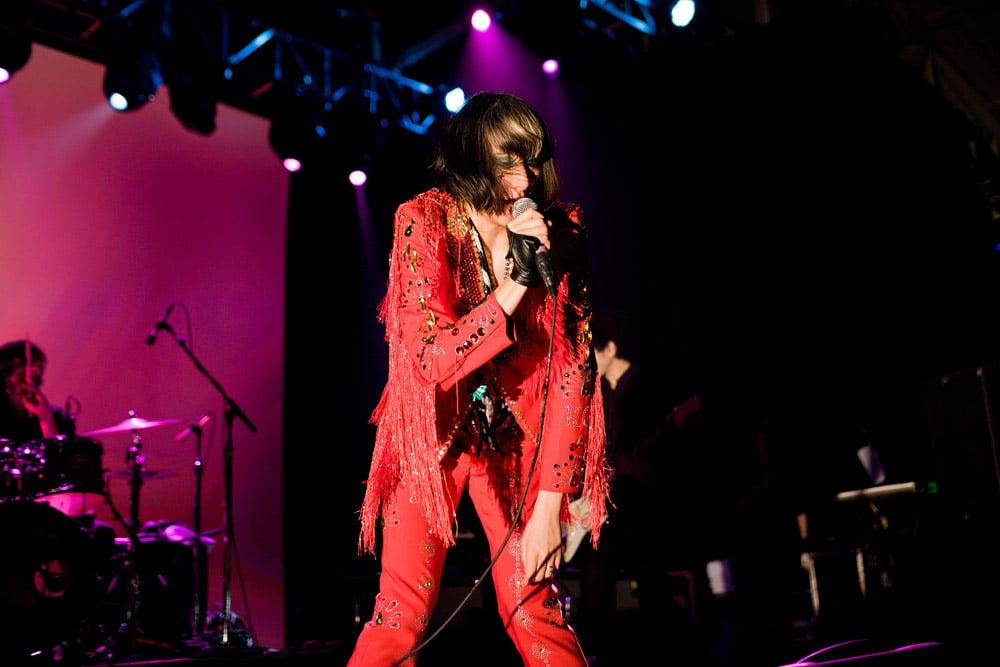 Another glimpse of Karen O.