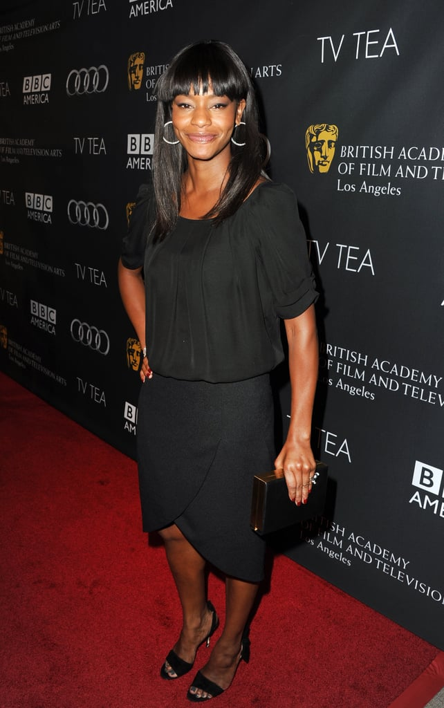 Veep's Sufe Bradshaw went for a black look.