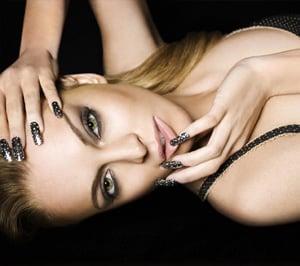 Lindsay Lohan Starts 6126 Gold Member Club