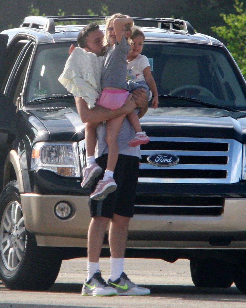Ben Affleck welcomed his daughters, Violet Affleck and Seraphina Affleck, to Puerto Rico Sunday.
