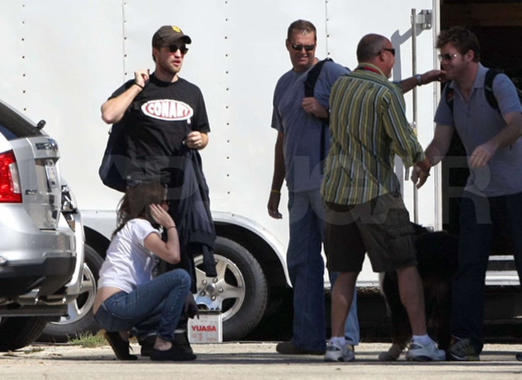Pictures of Robert, Kristen and Taylor on Set
