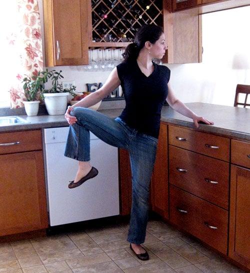 Chef Workout: Balancing Hip Opener