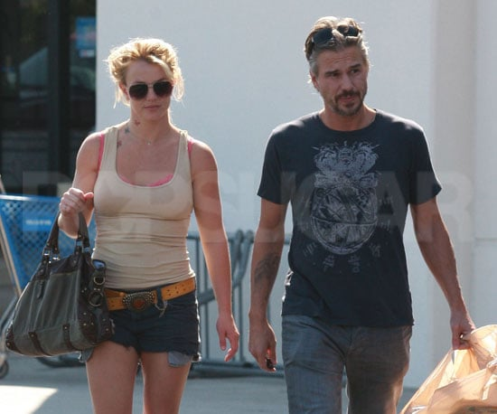 Slide Picture of Britney Spears Shopping in LA 2010-10-04 14:30:00