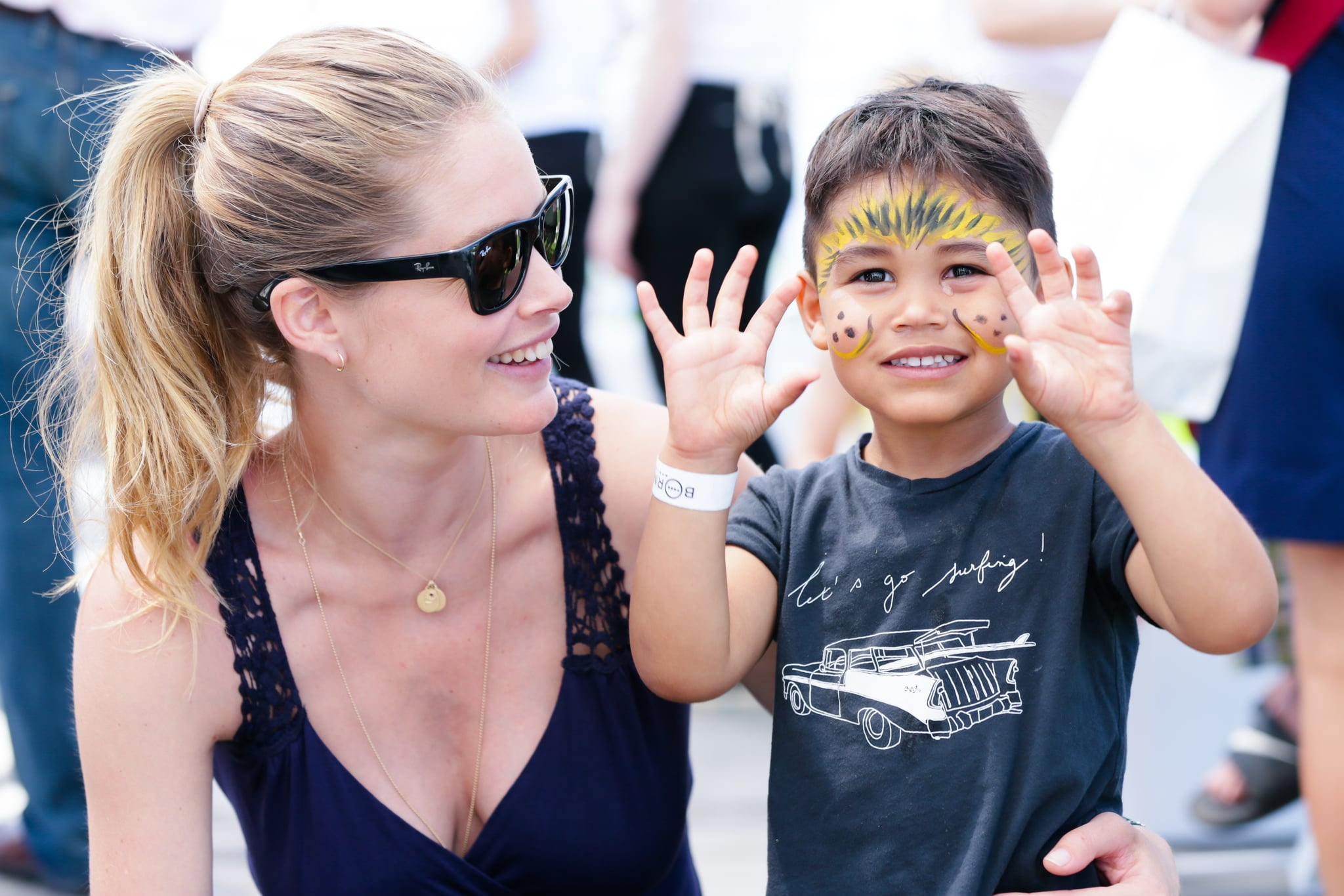 Doutzen Kroes played with her son, Phyllon James.