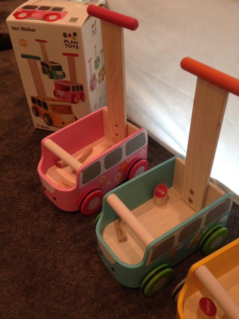 Plan Toys Van Walker
