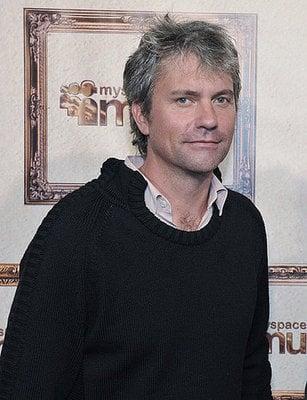 Daily Tech: CEO of MySpace Announces His Departure