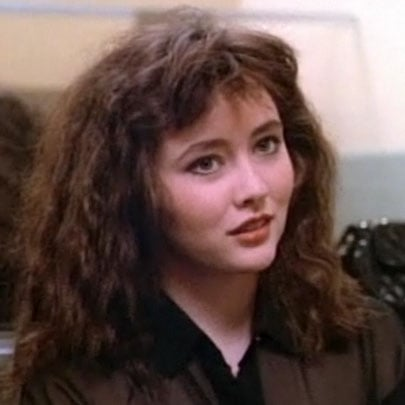In this episode, Brenda despairs over her Minnesotan hair. This is her first attempt at making it cooler.