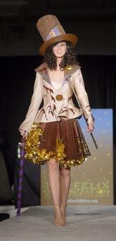 capt.fwd139111006_chocolate_show_runway
