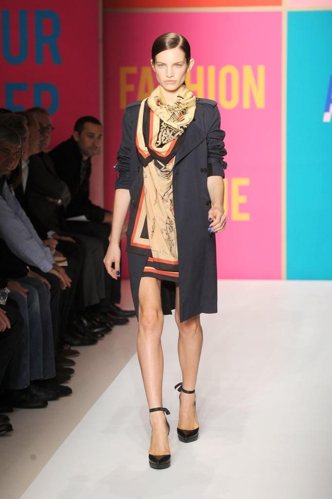 2011 Spring New York Fashion Week: DKNY