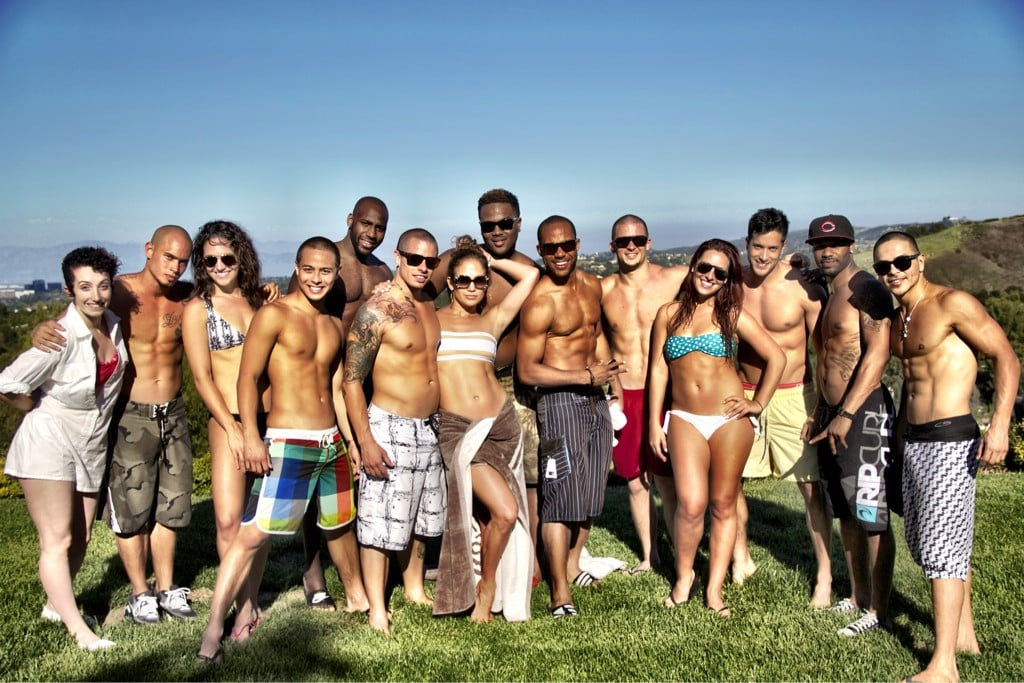J Lo and her dancers rehearsed in the sun.  Source: Twitter user JLo